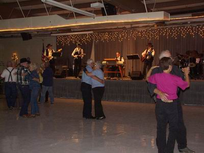 Meoldy Masters playing to the first dance of the QIA season