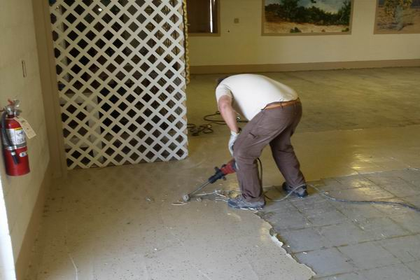 Larry Cutting Tile on the QIA DR