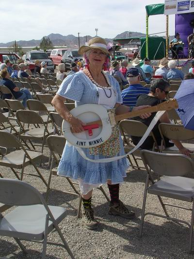 Ain't Minnie getting ready at the Q for the Grand Gathering